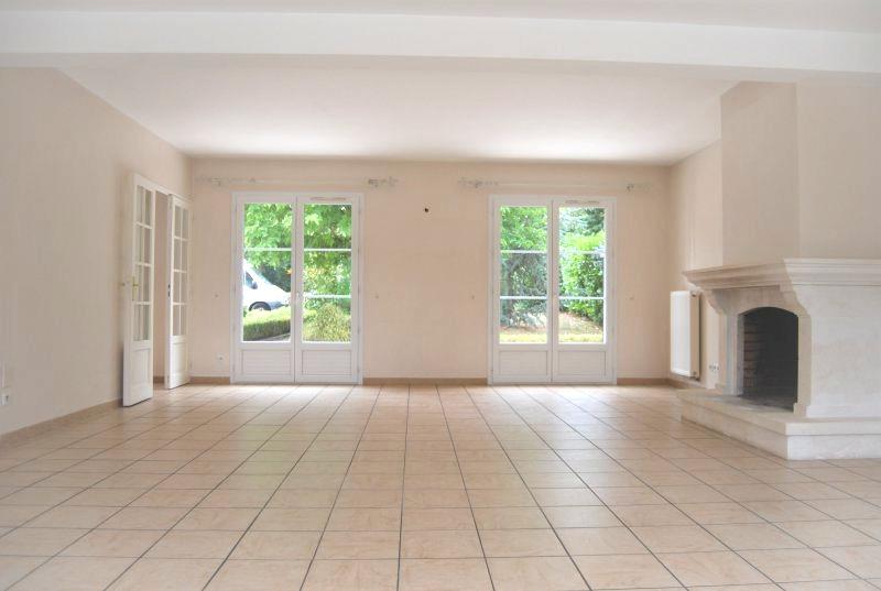 Salon avec cheminée de 50m²